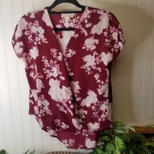 Women's Size Small Floral Hi-lo Top
